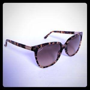 GUCCI Tortoise Oversized Women's Sunglasses